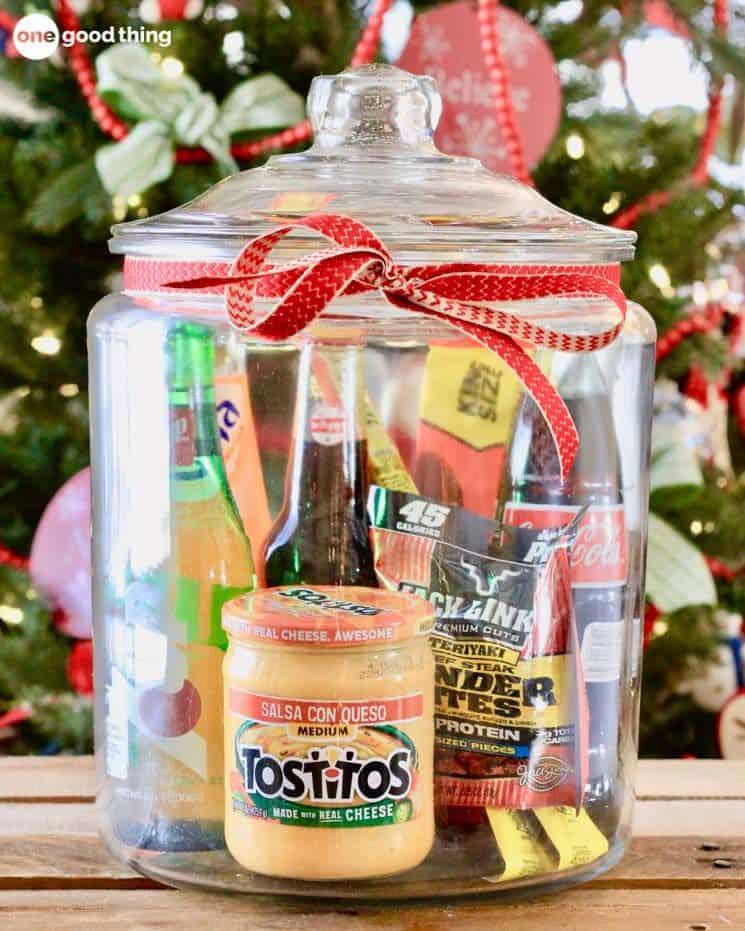 Christmas gift basket ideas-favorite snack foods in a jar