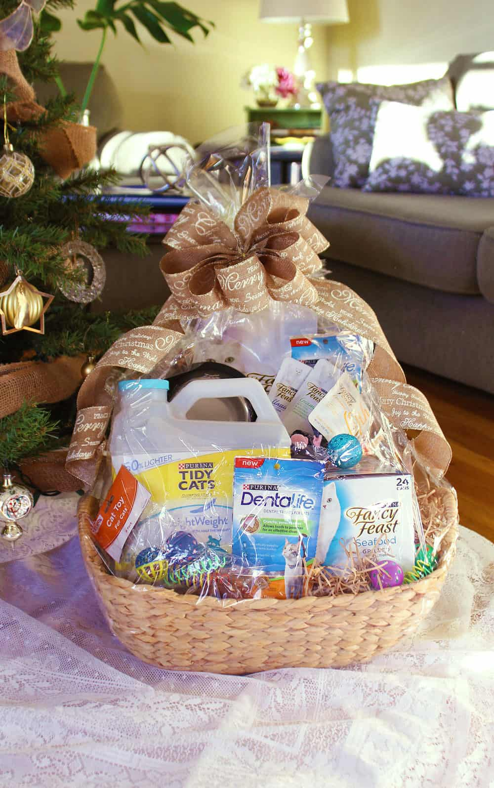 Christmas gift basket ideas-assortment of cat products in a gift basket
