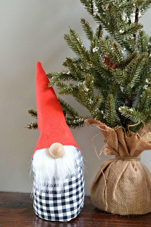 black and white checked gnome