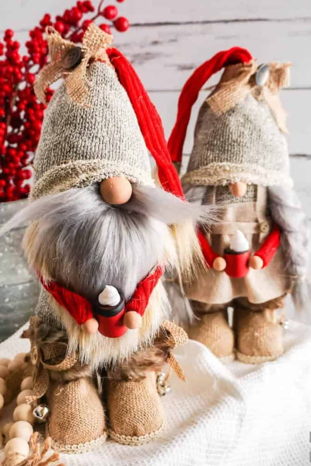 DIY Christmas gnomes-gnomes with arms and legs