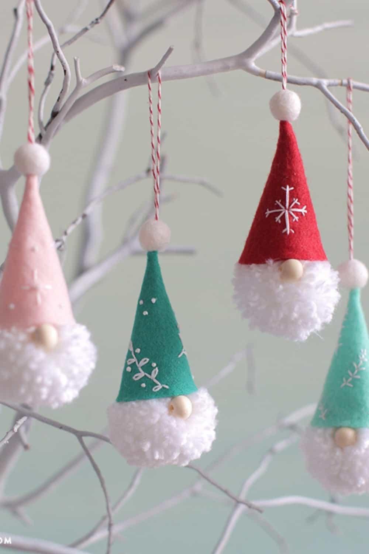 DIY Christmas gnomes-pom pom gnome ornaments